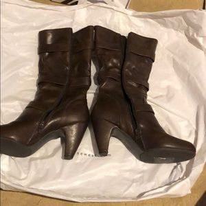 Brown boots Nine West size 9M